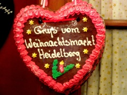 "Greetings from the Heidelberger Christmas market - a typical heart made of ""Lebkuchen"""