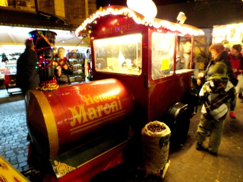 In this little train, hot chestnuts are sold - yammi!