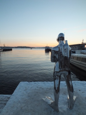 """The Diver"" is watching over the Oslo fjord."
